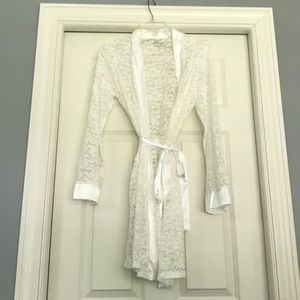 White lace bridal robe cover up